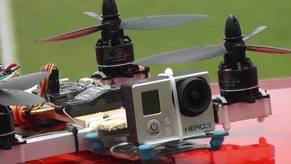 Квадракоптер с экшн камерой