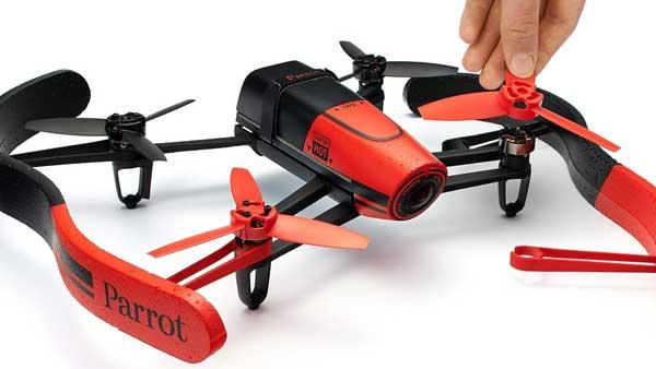 На фото Bebop Drone