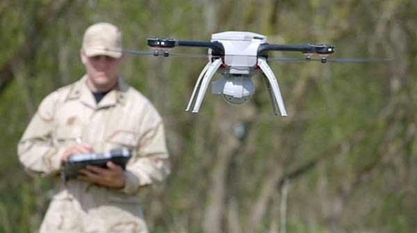 Квадрокоптер Aeryon SkyRanger в полете