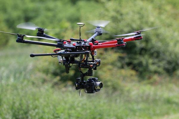 Гексакоптер DJI Spreading Wings S900 в полете